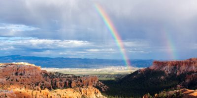 arid-bryce-canyon-clouds-460687