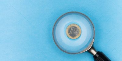 magnifying glass euro